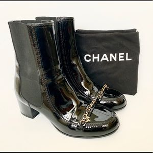 d36ed6a67b2 CHANEL black patent leather ankle Chain boots